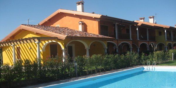 lg10-manerba-del-garda-80-meters-from-the-port-appartments